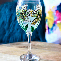Hand Painted White Lily Wine Glass