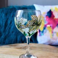 Hand Painted White Lily Gin Bulb Glass
