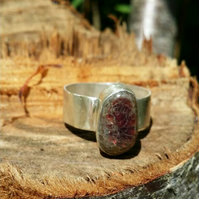 Beautiful white red seaglass gemstone ring, bezel ring, seaglass jewellery ring,