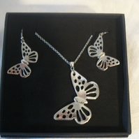 Lady Crow Pewter Butterfly Set Necklace and Earrings