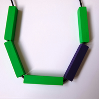Handmade HALLOWEEN Purple & Green Wood Wooden Bead Beaded Bar Tube Necklace