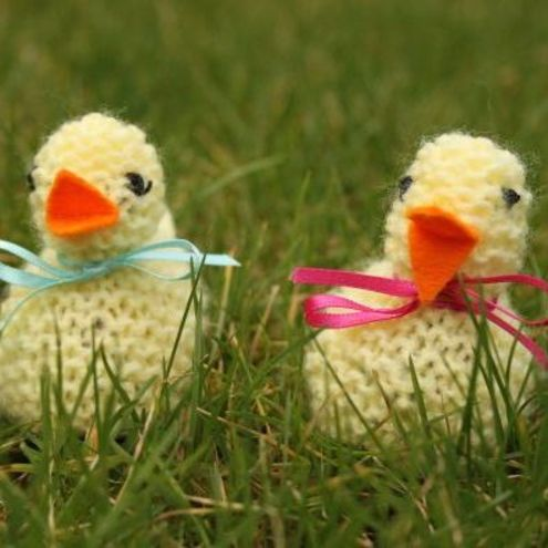 Hand knitted easter chick for creme egg - Folksy