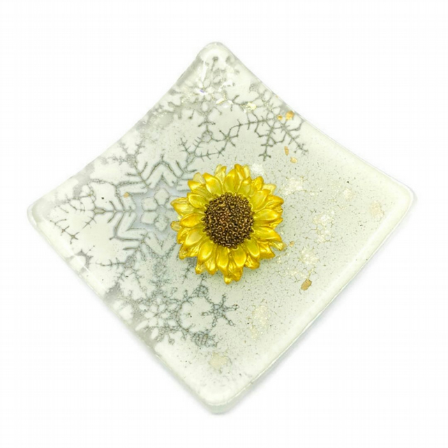 Sunflower brooch, hand painted resin brooch with roll over clasp.