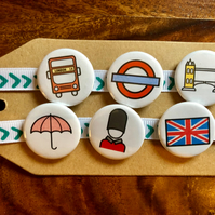 London - Pin Badge Set or Magnet Set