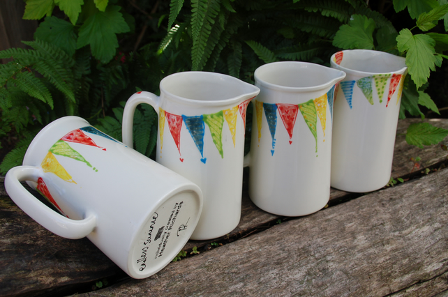 One pint classic jug, endless summer bunting