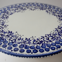 blue and white cake stand