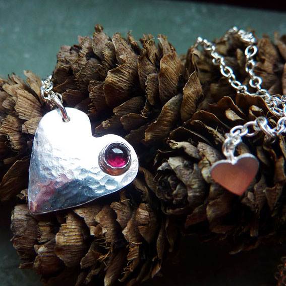 Queen of Hearts tiny pendant with garnet