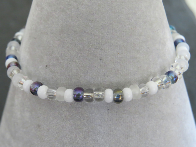 pretty little bead stretch bracelet