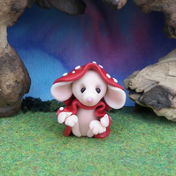 Downland Mouse 'Flye' Crop Gatherer OOAK Sculpt by Ann Galvin Gnome Village