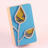 Formica Leaf Brooch Yellow and silver