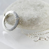 Sterling Silver Sparkly Hammered Open Circular Necklace 17""