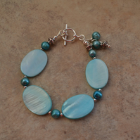Freshwater Pearl & Mother of Pearl Blue Bracelet