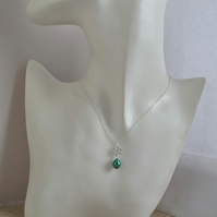 Emerald Green Sterling Silver Minimalist Freshwater Pearl Chain Necklace