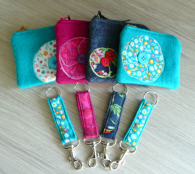 Zip top coin purse and matching keyring Applique purse