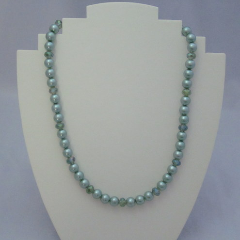 Green glass pearl and crystal rondelle necklace (261)