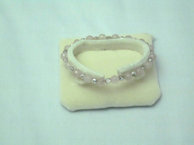 Rose quartz and pink crystal bracelet (43)