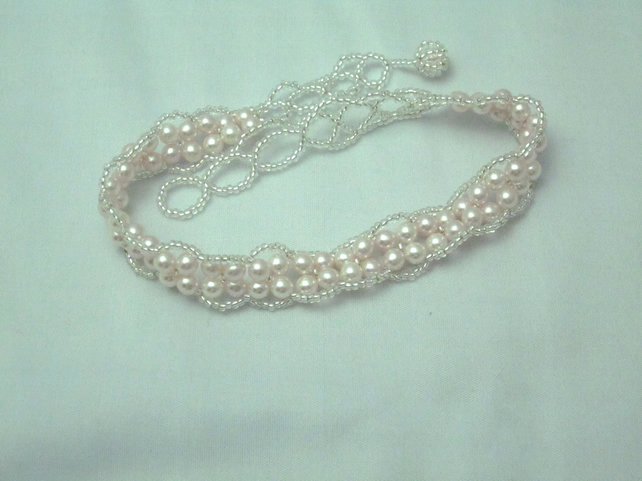 Pink glass pearl choker-style necklace (88)