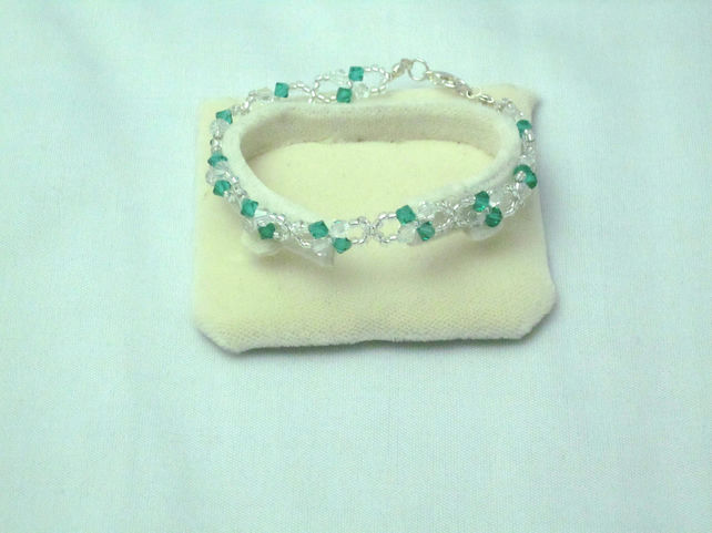 Green & clear crystal bracelet