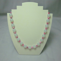 Opal and hot pink glass bead necklace (434)