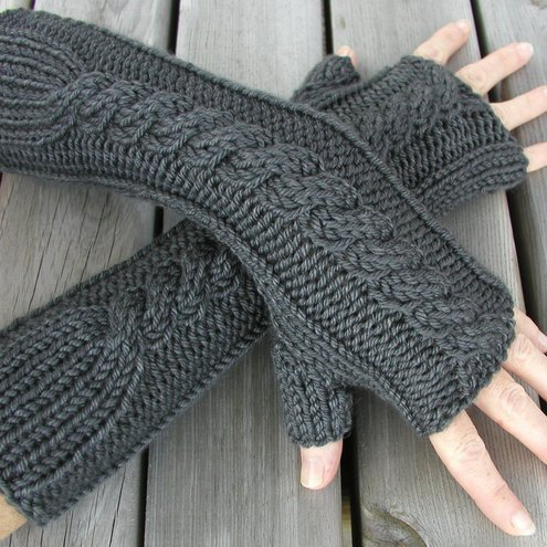 Mom Knows Everything: Arm Warmers Knitting Pattern