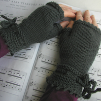The Piano Gloves PDF Knitting Pattern