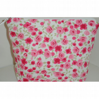 Toiletries Bag Large Cosmetic Purse Make-Up Bag Pink Roses Flowers