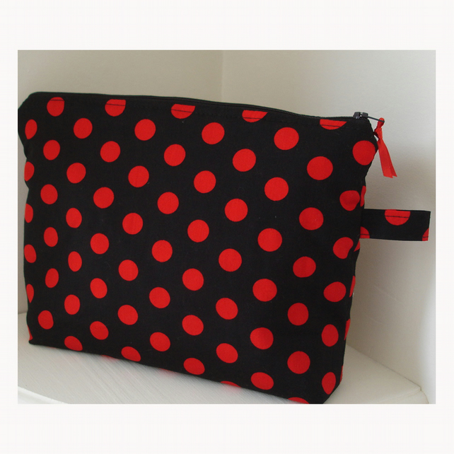 Vintage Red and Black Polka Dot Spots Cosmetics Purse Bag Case Dots Make-up