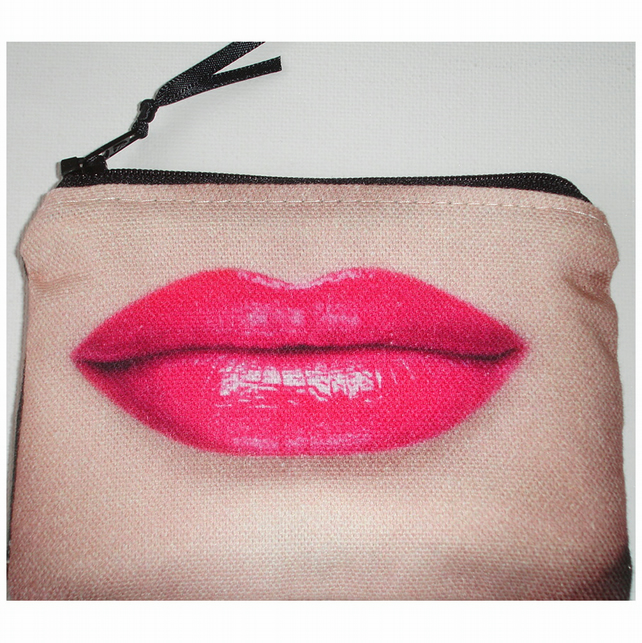 Hot Pink Lips Purse Purple Lipstick Zipped Coin Credit Card Holder