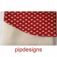 Flap Zipped Purse Red Beige Hearts