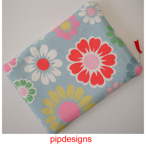 Zipped Pouch Case Cover For A Kindle 6 Wi Fi Cath Kidston Picnic Flowers