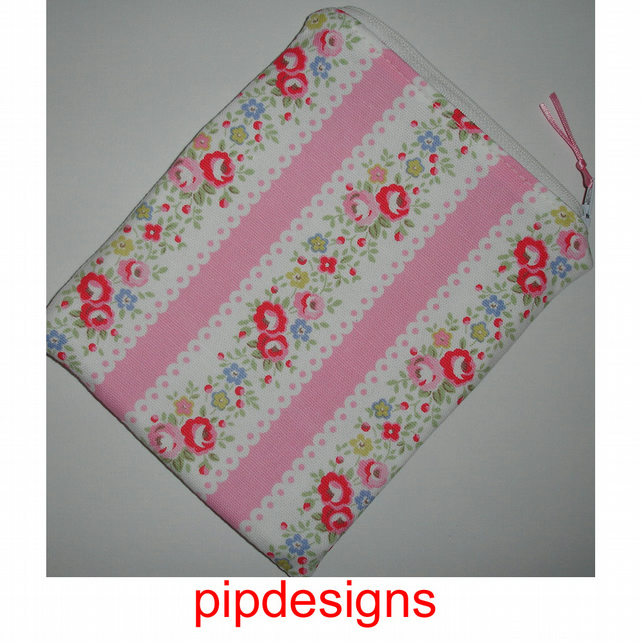 Zipped Pouch Case Cover For A Kindle 3 Cath Kidston Lace Pink Red Flowers