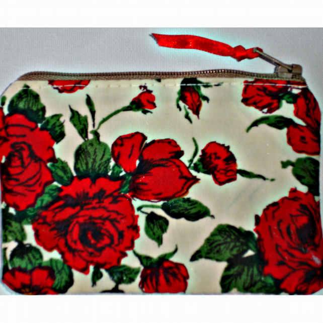 Liberty Red Roses Zipped Coin Purse