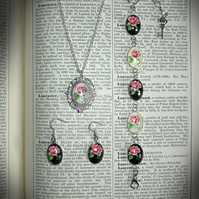 Rose Requiem Jewellery Set