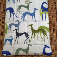 GREYHOUND PADDED TABLET COVER