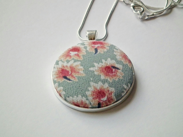"Necklace, Pendant, Vintage Floral Fabric, Silver-Plated, 18"" Chain"