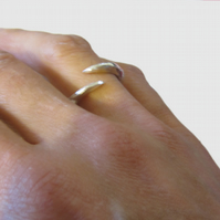 Claw Ring in sterling silver, pointed ring