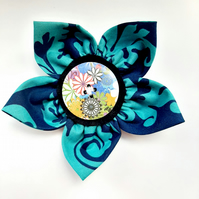 Flower brooch blue (mixed flower button)
