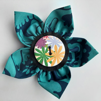 Flower brooch blue