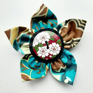 Flower brooch brown