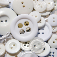 30g White Buttons