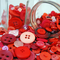 50g Mixed Bag of Red and Pink Buttons