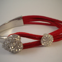 Crystal Heart Bangle (Red)