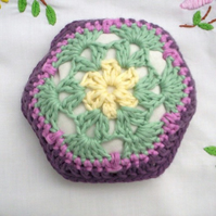 Crochet pincushion, African flower pincushion