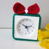 alarm clock cosy in  red, green and white, alarm clock cosie, alarm clock cover