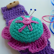 wrist pincushion, flower pincushion