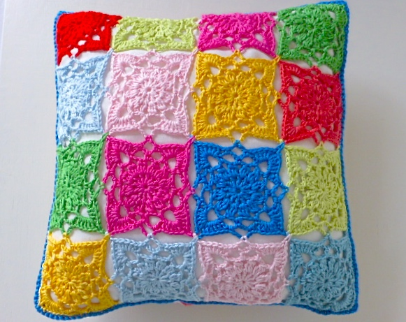 Crochet cushion cover, multicoloured removable cushion cover