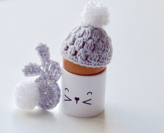Egg cosy and bunny, dove grey egg cosy, crochet egg cosy with a bunny