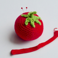Crochet pincushion, tomato pincushion, crochet pin tidy