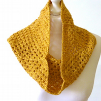 Crochet cowl, mustard cowl, crochet granny square neckwarmer, gift for teenager