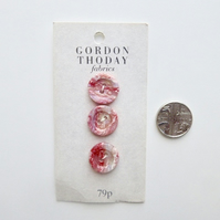 Pretty pink buttons, round vintage buttons